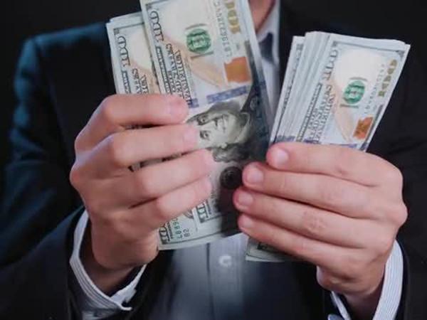 Mơ thấy đếm tiền là điềm báo gì, đếm tiền đánh số mấy?
